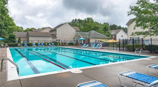Glenridge-Townhomes-Cornelius-Comunity-Pool